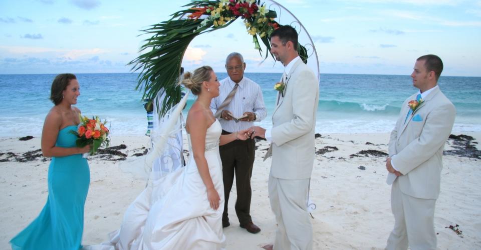 wedding on the beach (2)